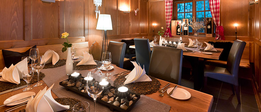 Ganter Hotel Mohren, restaurant-stube, Lake Constance, Germany.jpg